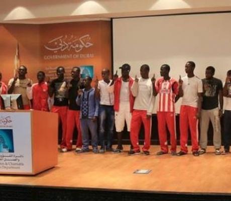 Një ekip i futbollit, trajneri dhe udhëheqësia përqafuan Islamin në Dubai