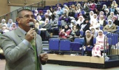 Prifti katolik britanik pranon Islamin pasi lexoi Kur'anin