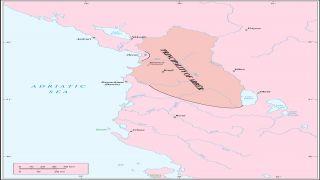 Arbëri është territori i përcaktuar në Shqipëri Qendrore, ndërsa Arbëria përfshin territore më të gjëra