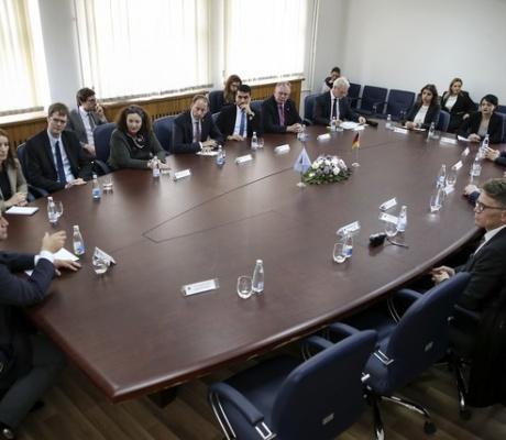 Deputetët gjermanë në vizitë në Komunën e Prishtinës
