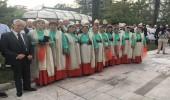"""Grupi """"10 shqiponjat e Tërbaçit"""" për polifoninë labe femërore nderohet nga Presidenti i Republikës"""